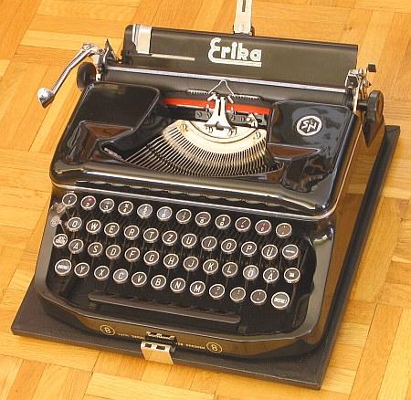 Beautiful Working Erika model S Typewriter